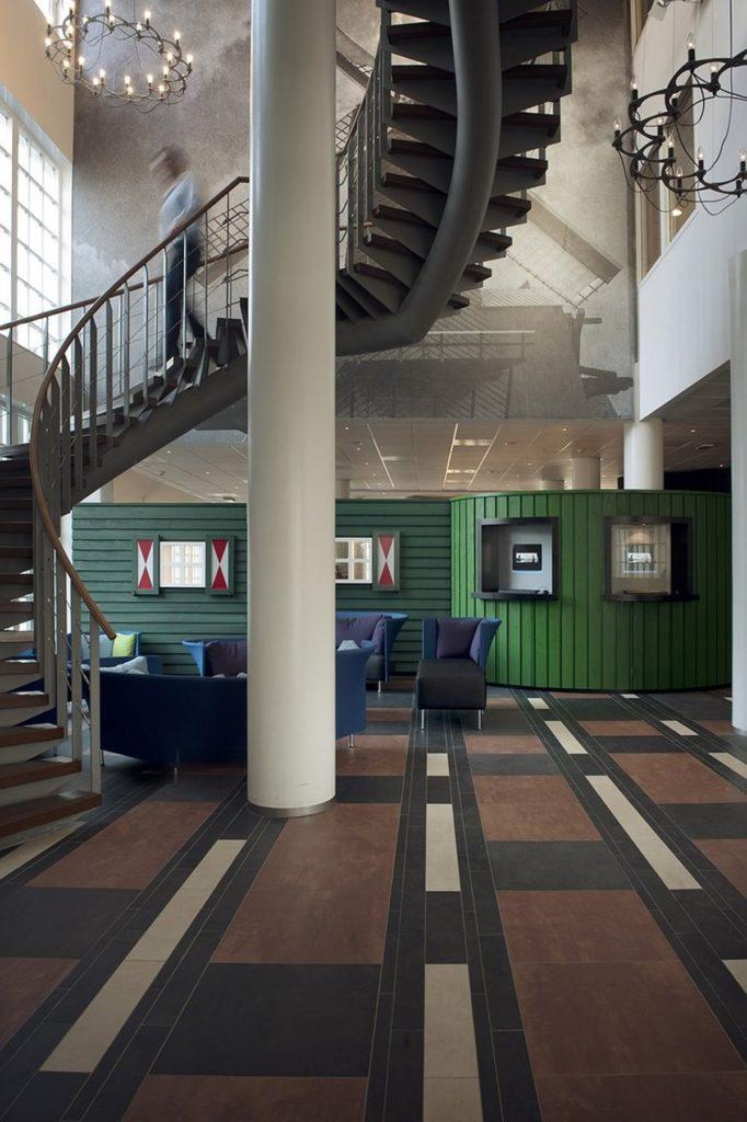 Το εσωτερικό του Inntel Zaandam συνδυάζει το παλιό με το μοντέρνο