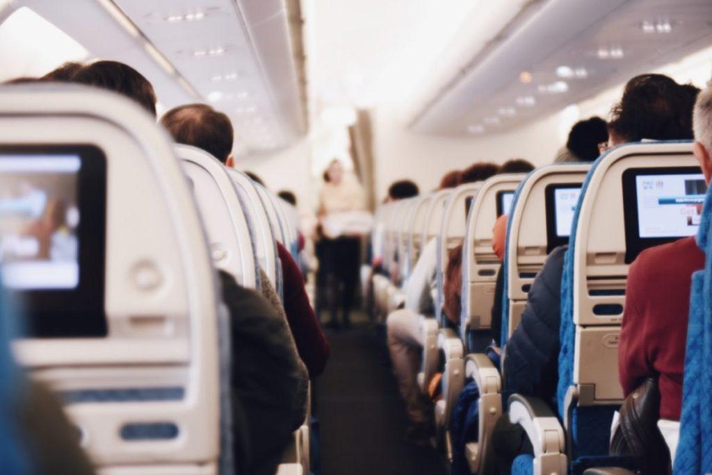 Εσωτερικό αεροπλάνου ryanair μείωση χωριτικότητας