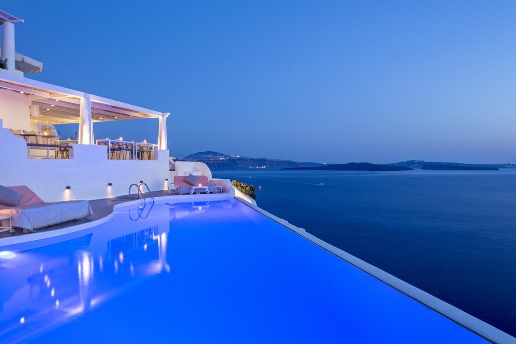 Η υπέροχη πισίνα του Katikies