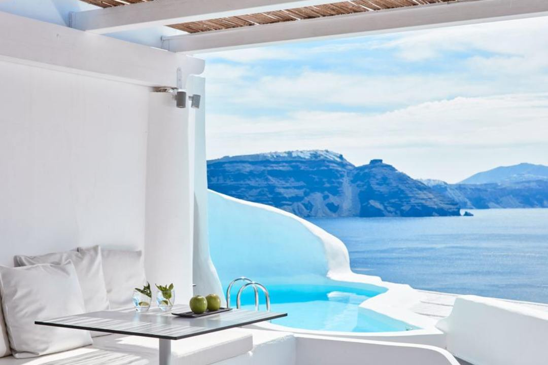 Η πιο ακριβή βίλα στην Ελλάδα είναι στην Σαντορίνη & κοστίζει €2625 την βραδιά. Αξίζει; Από τον Τάσο Δούση