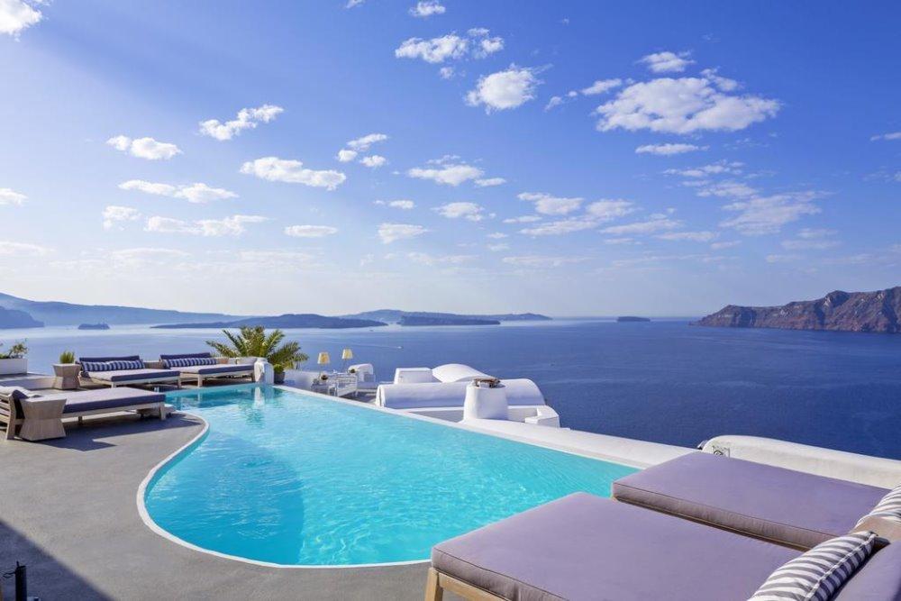 Πισίνα, θεά και Αιγαίο, Katikies Santorini