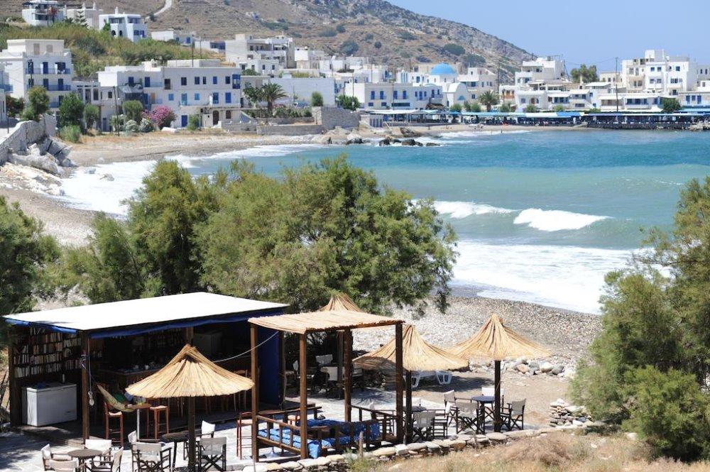 Το ξενοδοχείο Kouros στη Νάξο είναι δίπλα στη θάλασσα