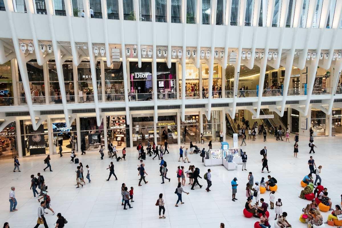 Ανοικτά τις Κυριακές τα καταστήματα & 30 εκατ. ευρώ για ενίσχυση του εγχώριου τουρισμού