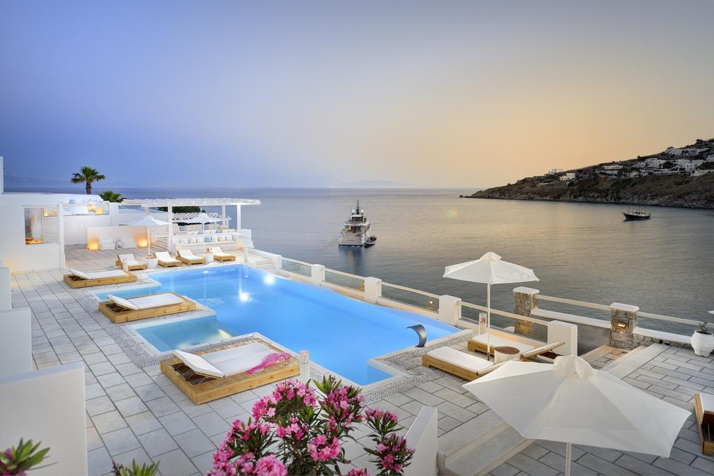 Θέα από την πισίνα του Nissaki Boutique Hotel