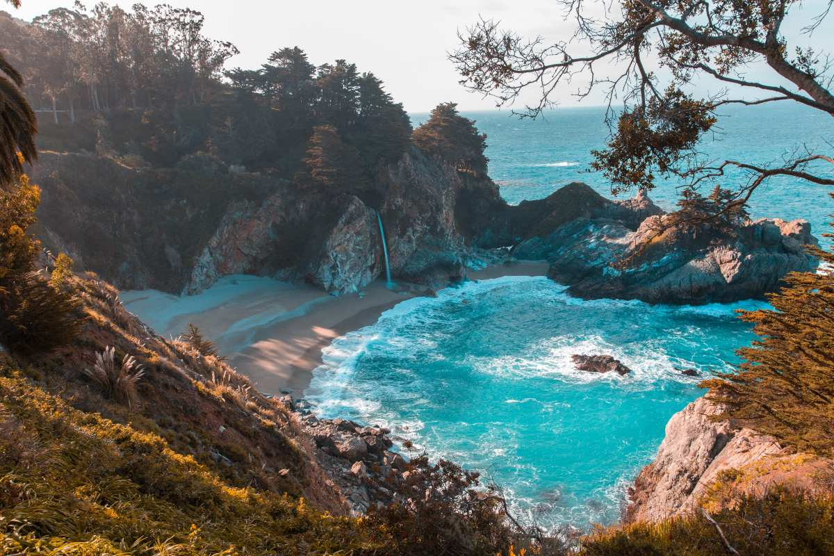 2 παραλίες Ελληνικές: μια γνωστή & μια άγνωστη που αποθεώνουν οι ξένοι!