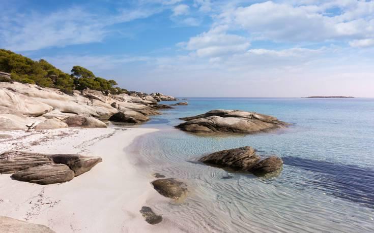 Παραλία νησάκι Διάπορος