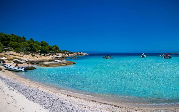Παραλία Χαλκιδικής νησί Διάπορος