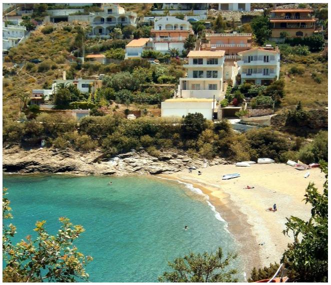 Πόρτο Εννιά παραλία