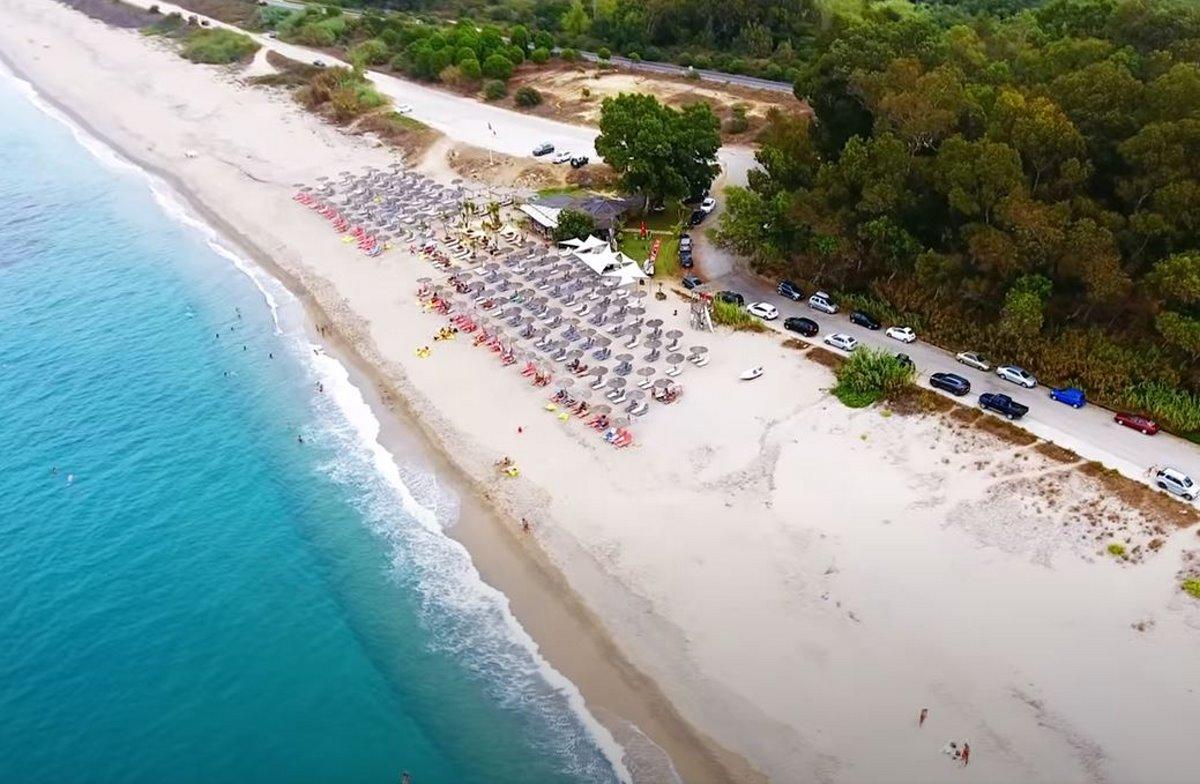 Η πανέμορφη παραλία Μονολίθι στην Πρέβεζα είναι ανάμεσα στις 10 ασφαλέστερες της Ευρώπης