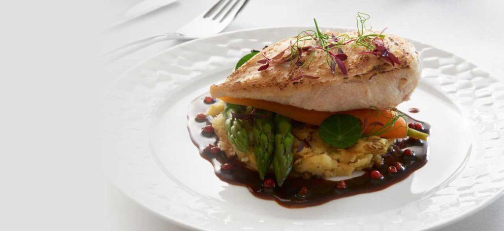 Το φαγητό στις πτήσεις της Qatar Airways είναι σχεδιασμένο από τέσσερις κορυφαίους σεφ