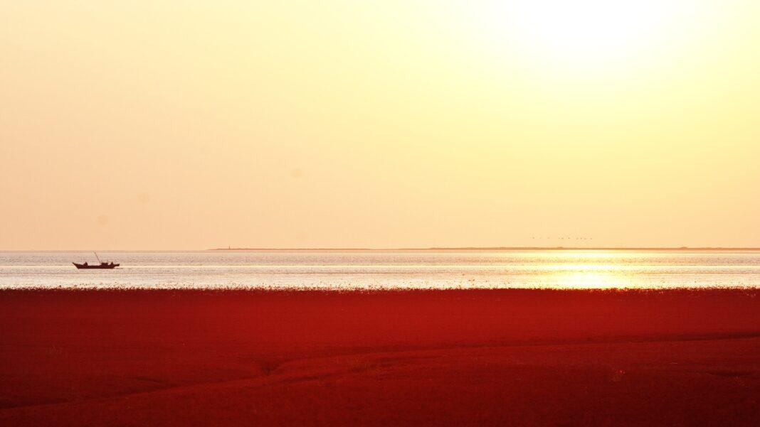 Άγνωστα μέρη του κόσμου - Κόκκινη λίμνη Κίνα