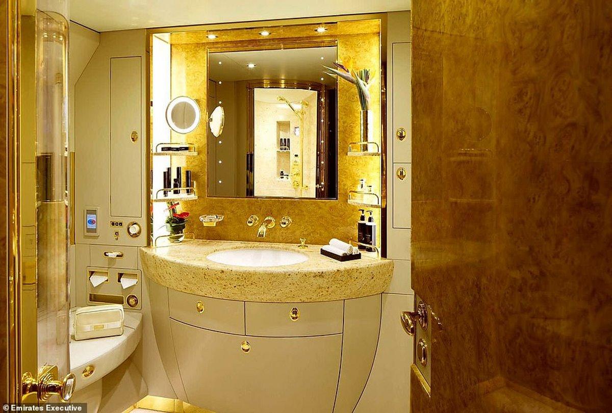 το μπάνιο του ιδιωτικού τζετ