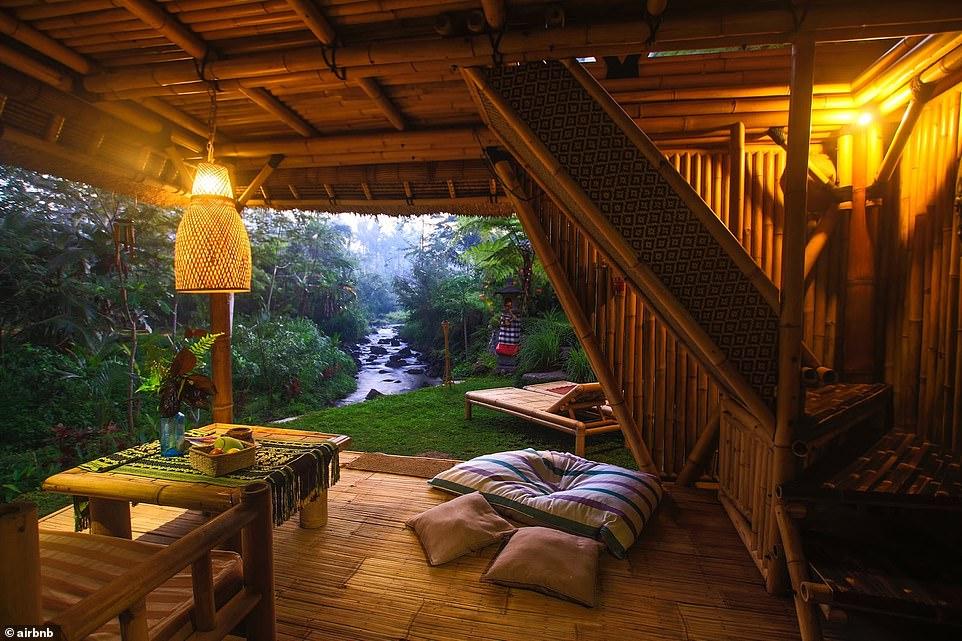 Εσωτερικό σπιτιού από bamboo, Μπαλί