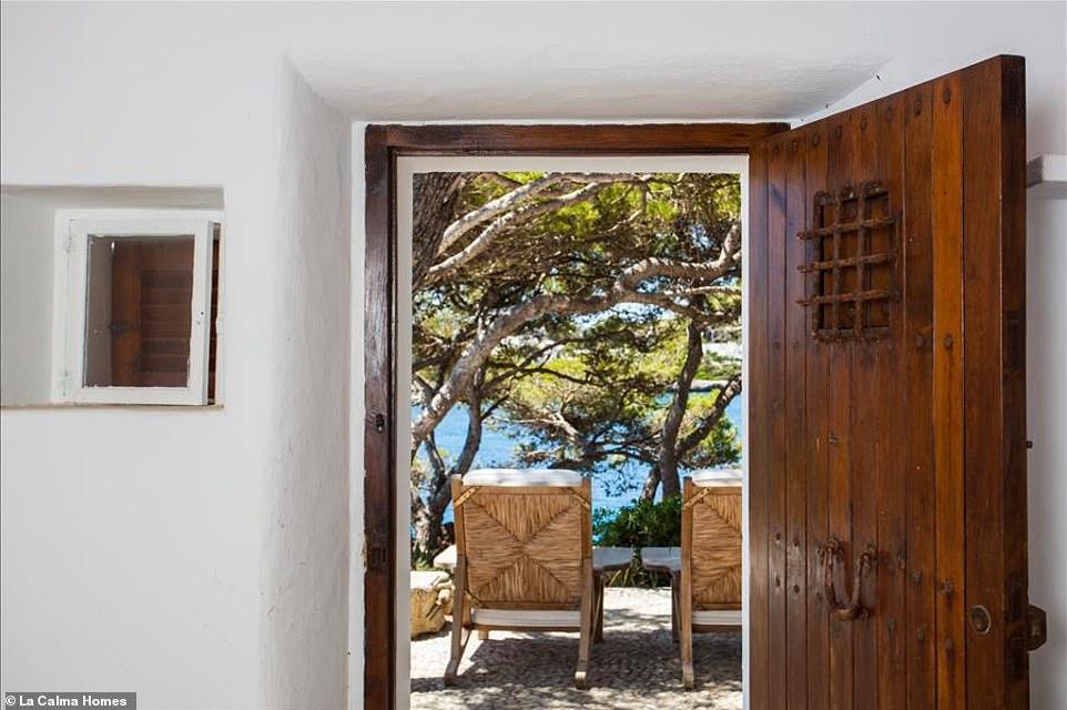 Θέα από το δωμάτιο, Villa Ibizan