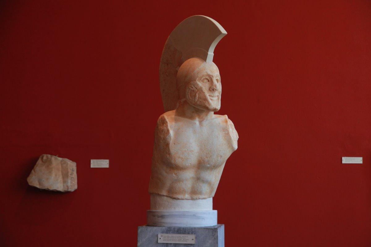 Προτομή Λεωνίδα, Αρχαιολογικό Μουσείο Σπάρτης