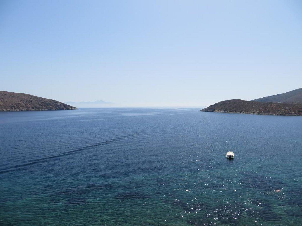 Γαλάζιο Σέριφος θέα στη θάλασσα