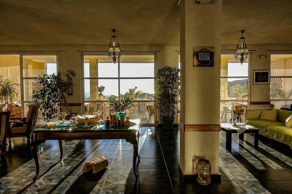 Tο όμορφο lounge του Sariza Spring  Hotel