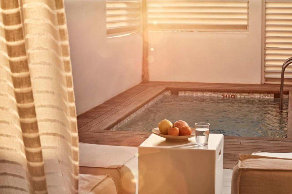 18 Grapes Hotel, εσωτερική πισίνα
