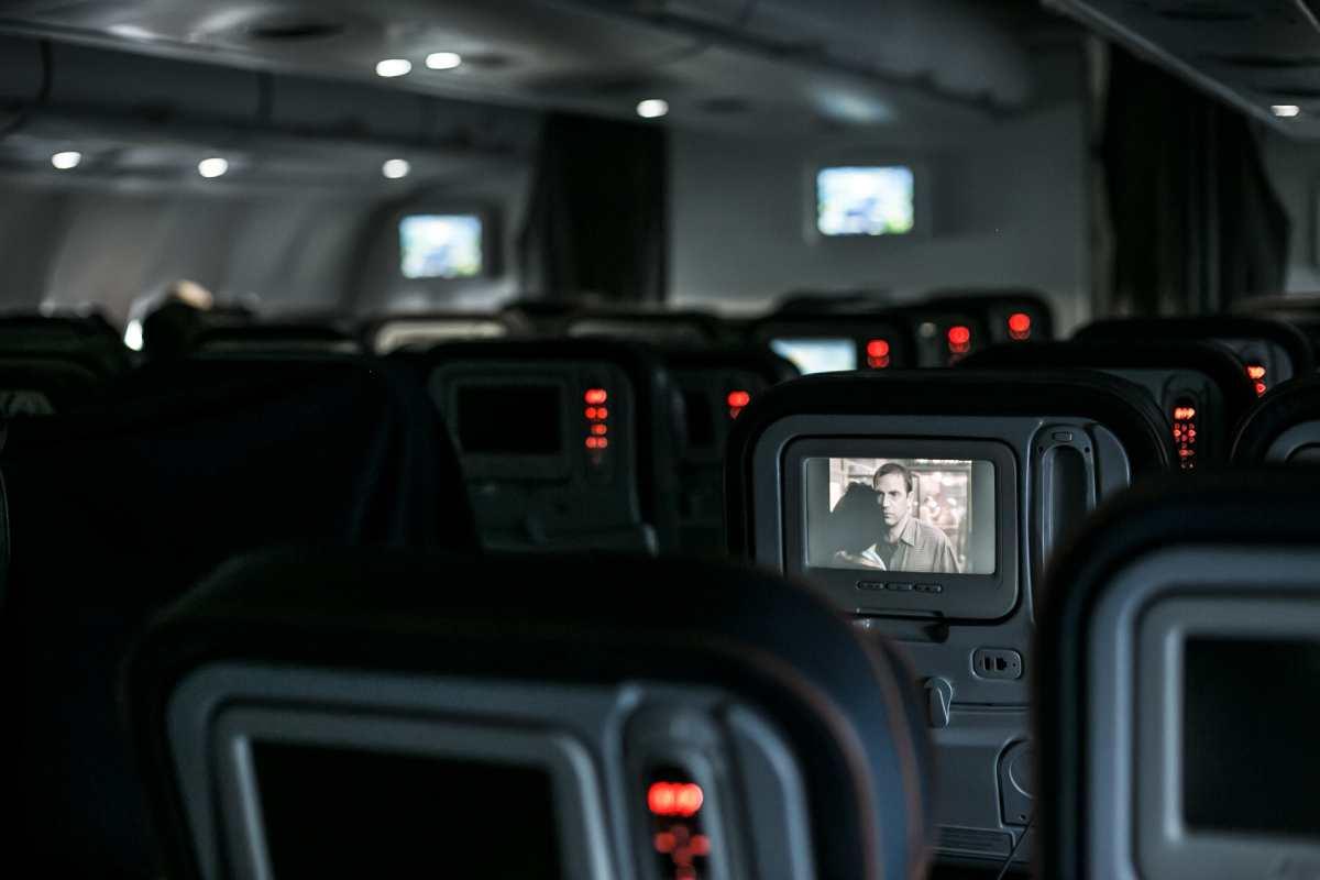 Αεροπορικά καθίσματα με οθόνες