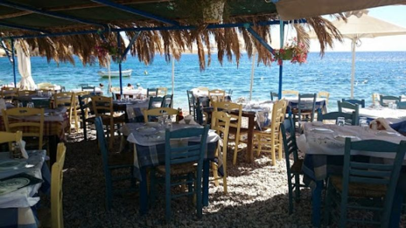 Εστιατόριο Αλκιονίδες στα Λουτρά Ωραίας Ελένης