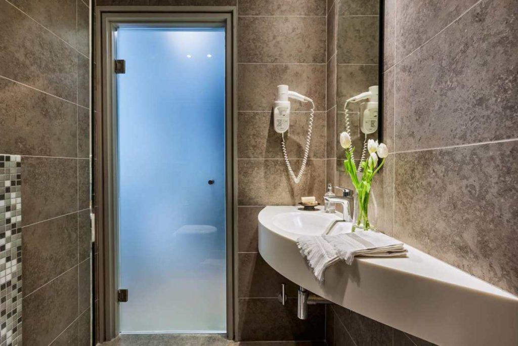 Άμμων Ζευς μπάνιο