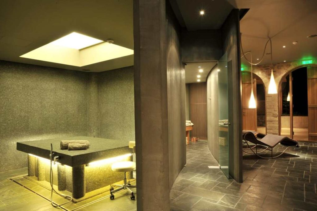Kinsterna Hotel μπάνιο