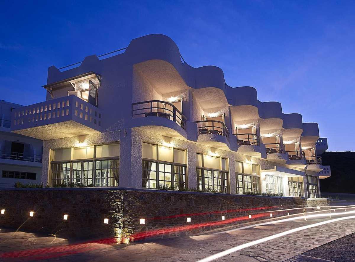 Kythnos Bay Hotel από έξω