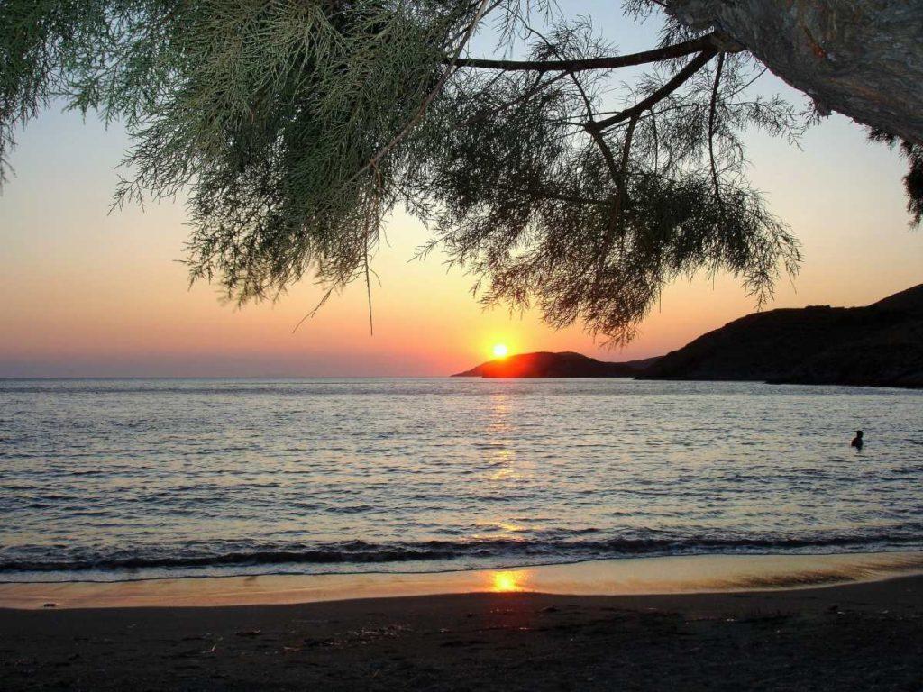 Κύθνος παραλία