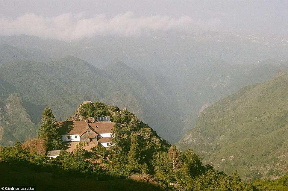 Σπίτι πάνω στο βουνό