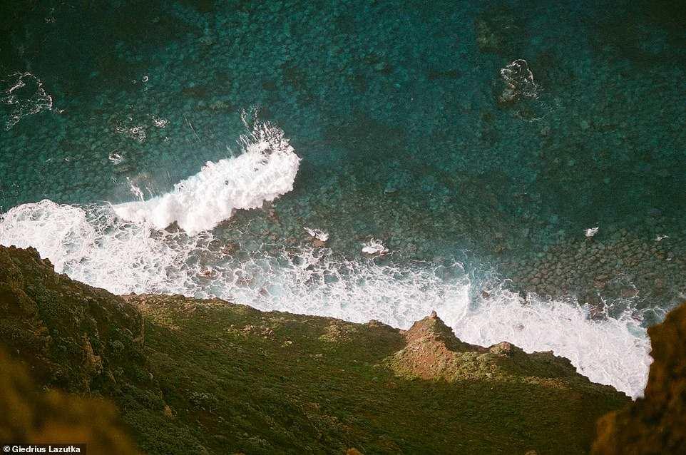 Γκρεμός, θάλασσα