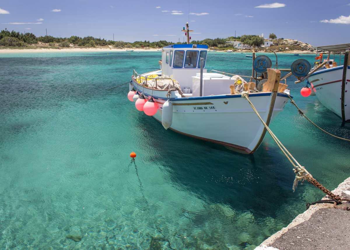 Νάξος: Τα καλύτερα ξενοδοχεία κάτω από 50 ευρώ πάνω στη θάλασσα από τον Τάσο Δούση