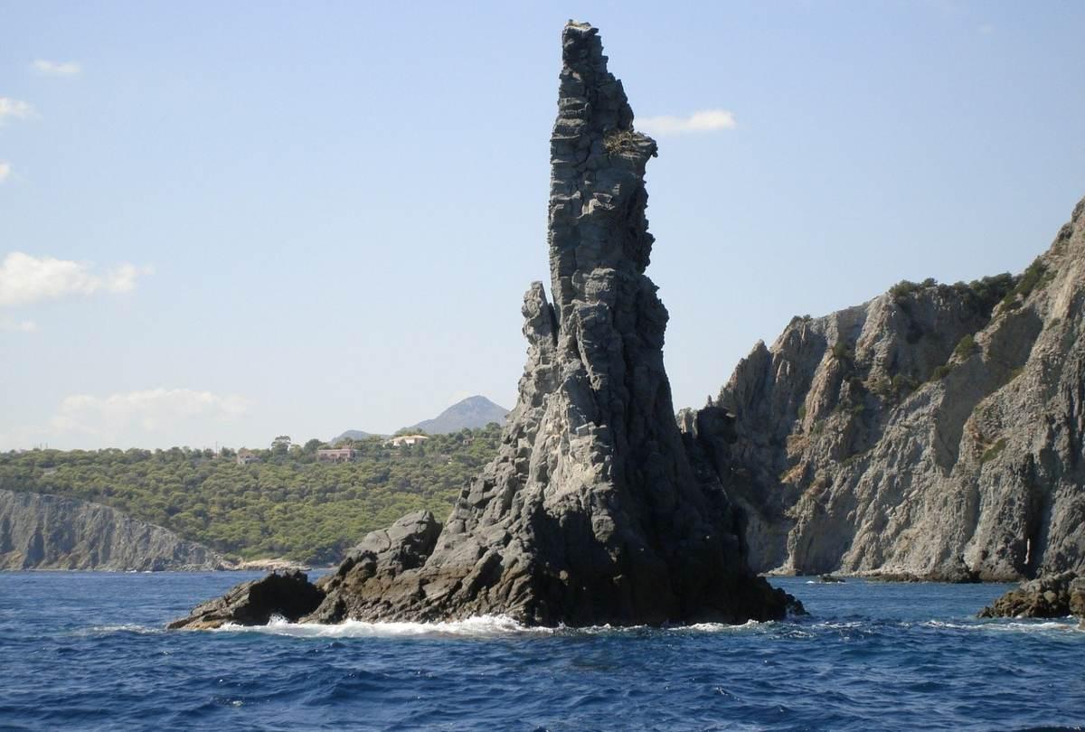 Τριήμερο Αγίου πνεύματος: Βουτάμε στις ωραιότερες παραλίες των νησιών του Αργοσαρωνικού!