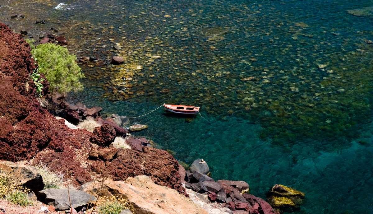 Παραλία Αρμένη από ψηλά, Σαντορίνη