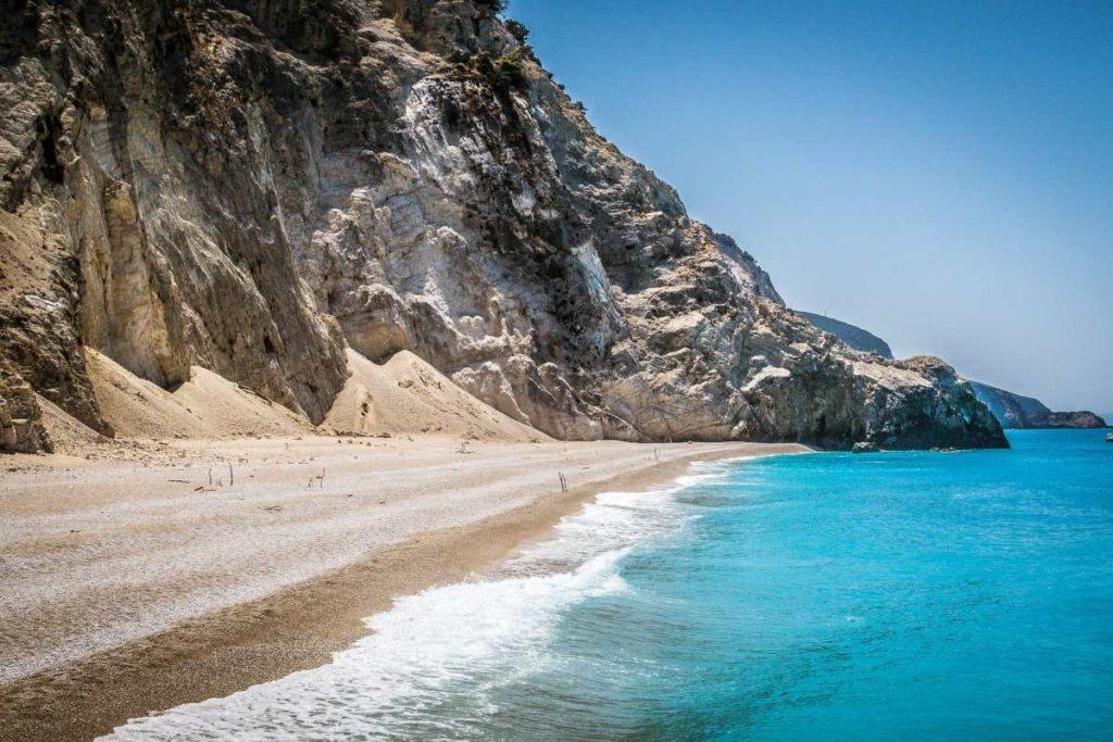Παραλία Εγκρεμνοί, Λευκάδα