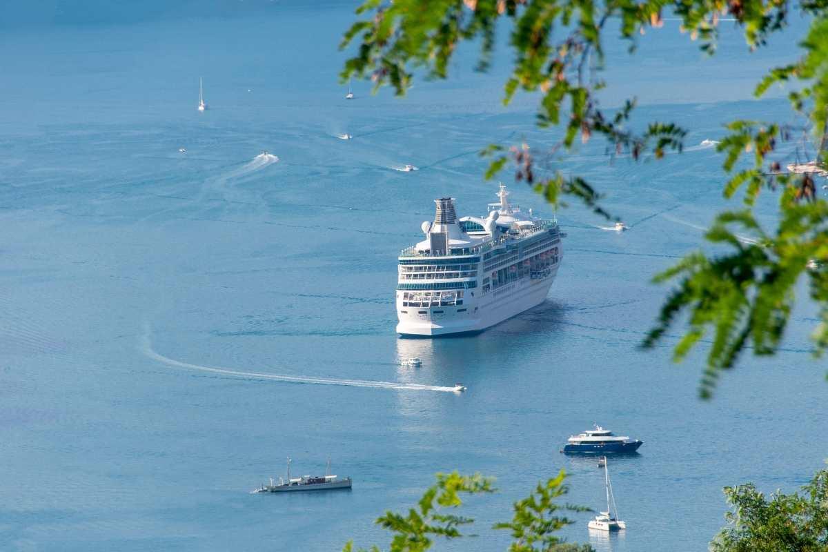 Πλοία: Αλλάζουν οι τιμές για τα νησιά με την μείωση ΦΠΑ. Τα νέα μέτρα