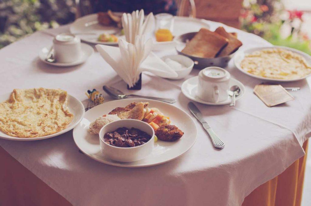 Πρωινό σε εστιατόριο