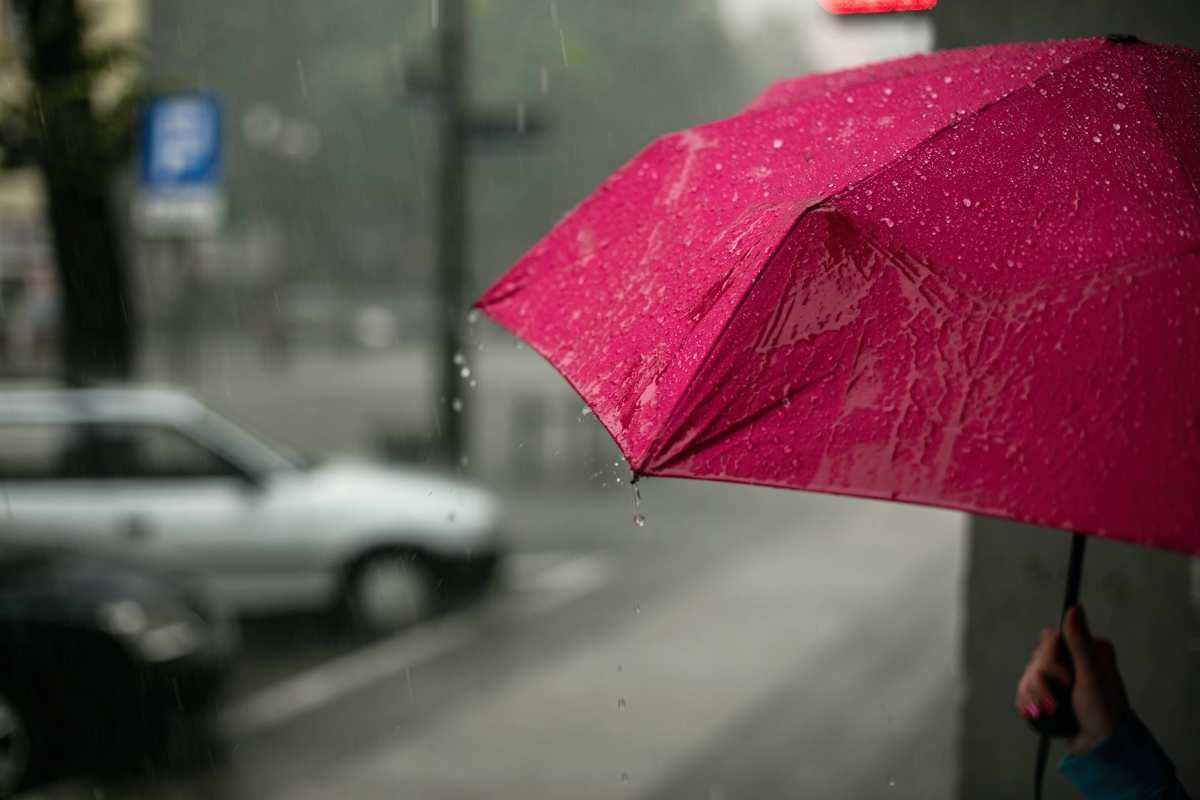 Καιρός 2/6: Βροχές & την Τρίτη. Αναλυτική πρόγνωση μέχρι και την Κυριακή από τον Αρναούτογλου
