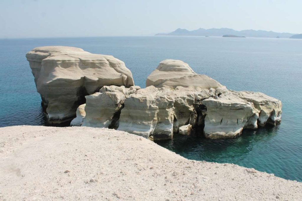 Παραλία Σαρακήνικο, Μήλος