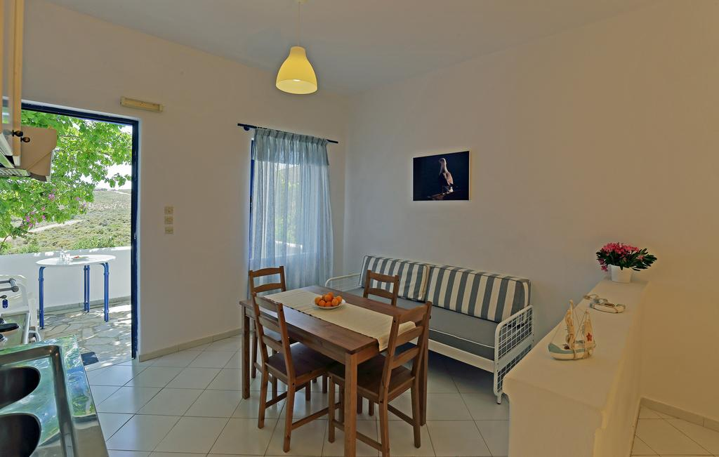Το εσωτερικό του Spanos Apartments