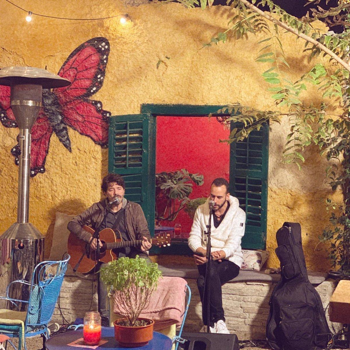 Μουζουράκης, Live βραδιές στο urban garden bar