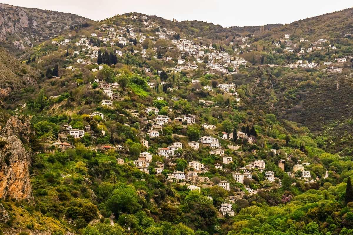 Αγίου Πνεύματος: Υπέροχα ορεινά Ελληνικά χωριά που έχουν αποθεώσει & οι ξένοι