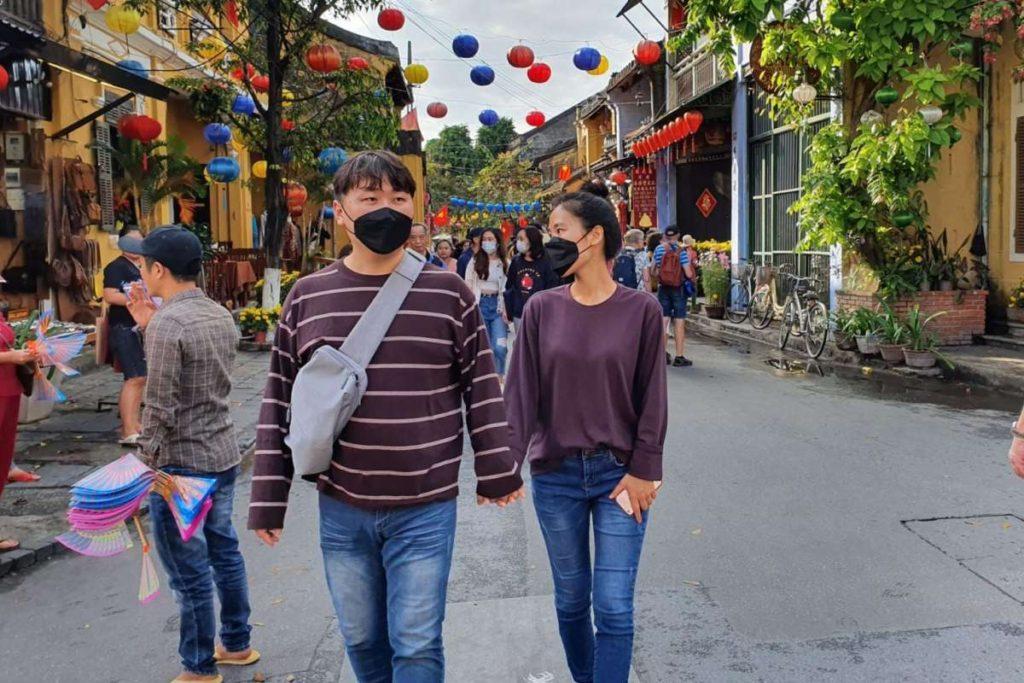 Ζευγάρι με μάσκες, Βιετνάμ