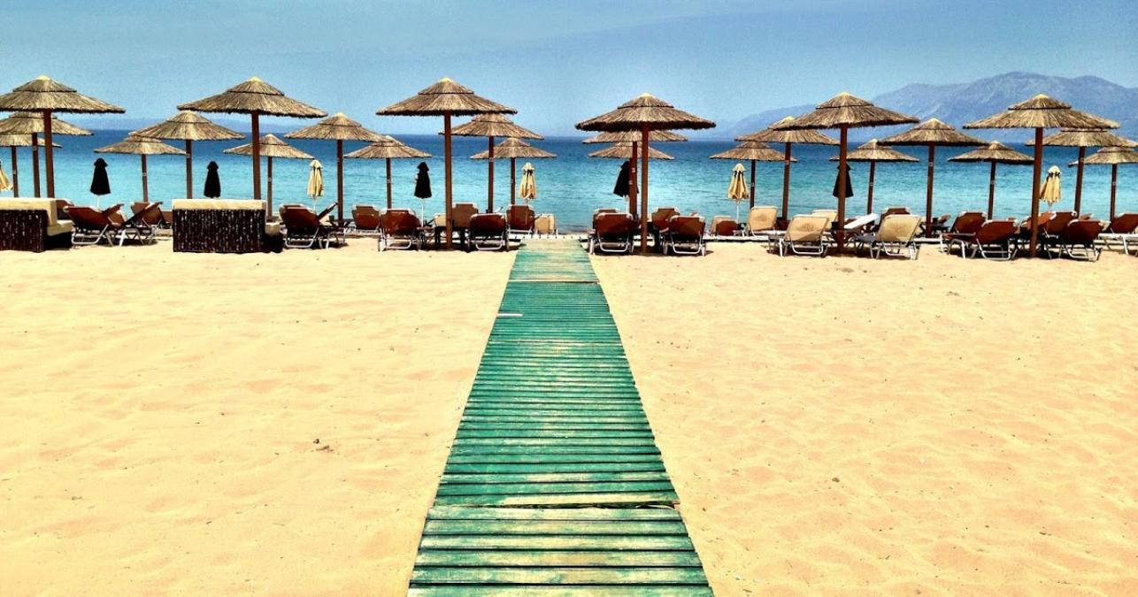 Beach bar στις Αλυκές