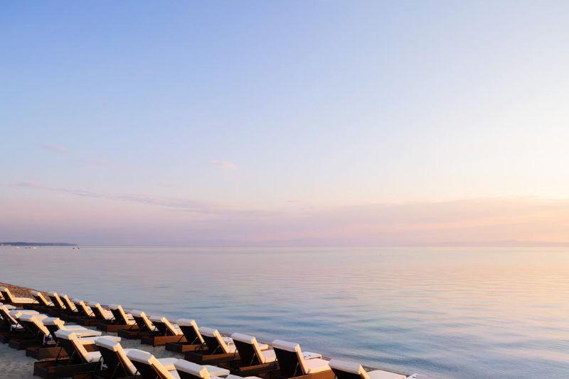 ξαπλωστρες παραλια  sea level hotel