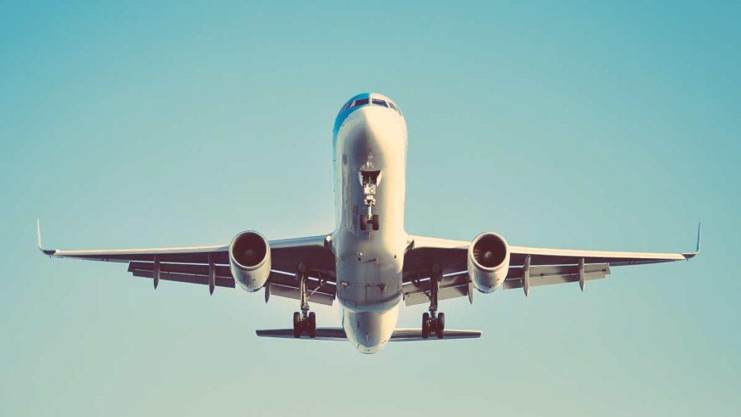 Αεροπλάνο εν πτήσει
