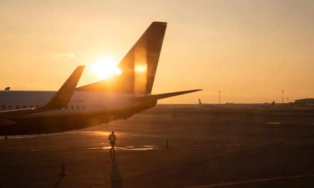 Αεροπλάνο Ryanair, ηλιοβασίλεμα