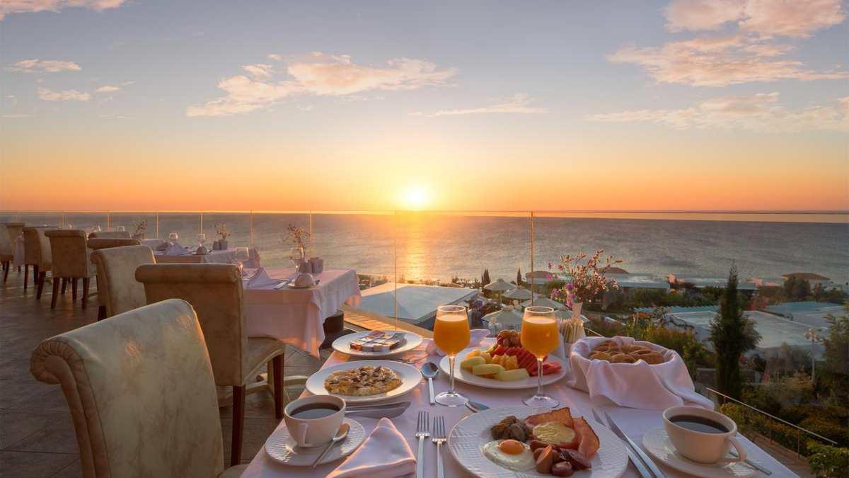 Atrium Prestige Thalasso Resort πρωινό