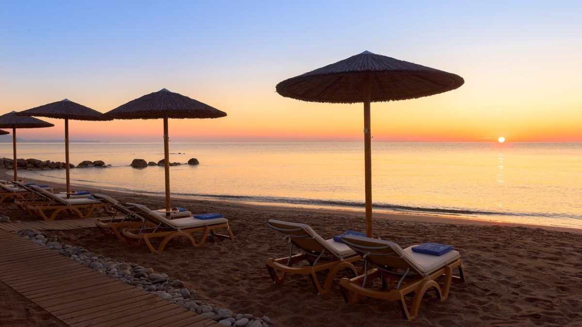 Atrium Prestige Thalasso Resort παραλία