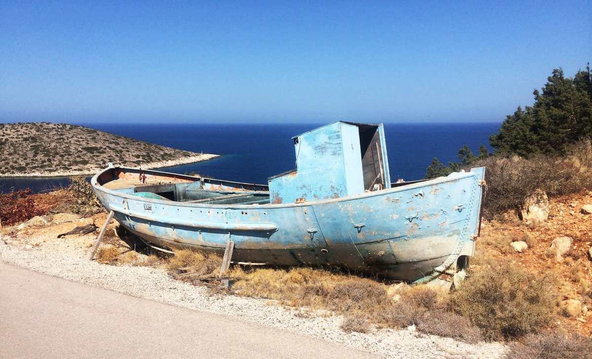 Ψαρά: Γνωρίστε το γραφικό νησάκι με τις 40 παραλίες