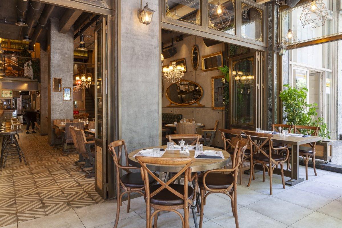 Το κομψό εστιατόριο Italida στον Πειραιά